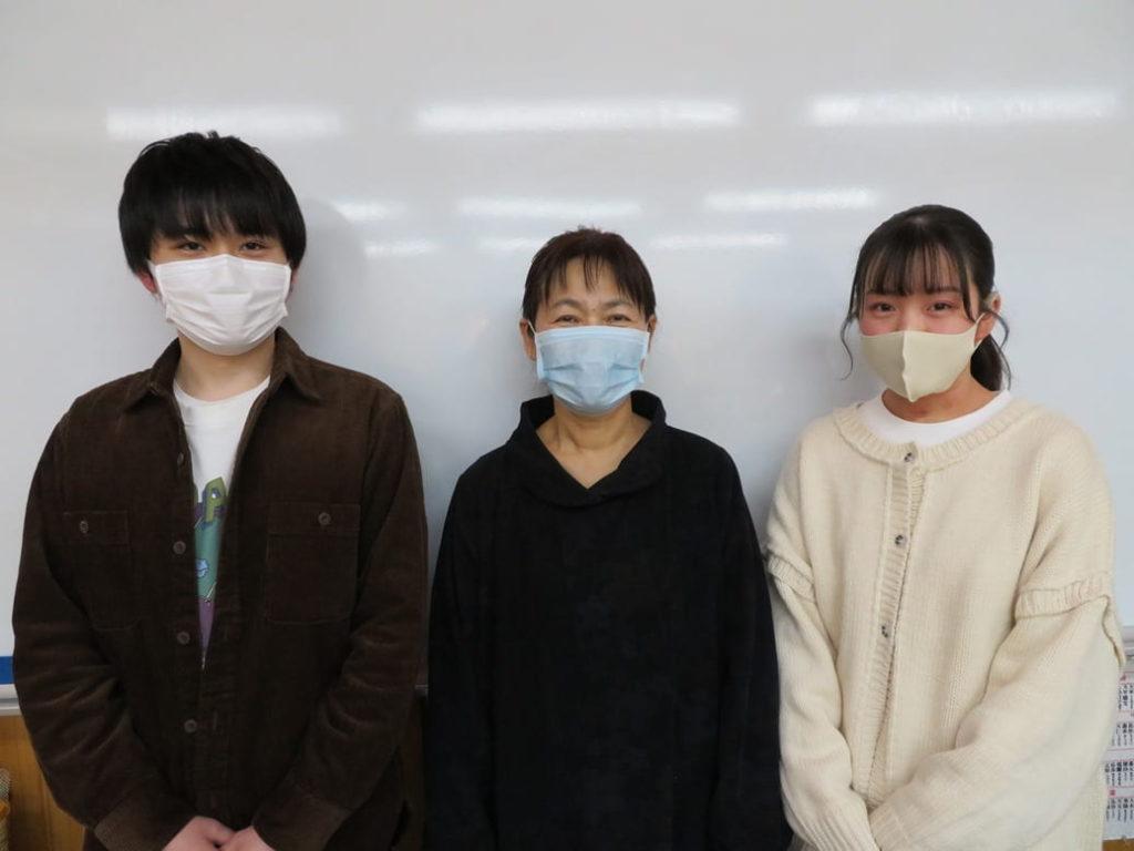 横山学習塾の講師はマスク着用を徹底しています